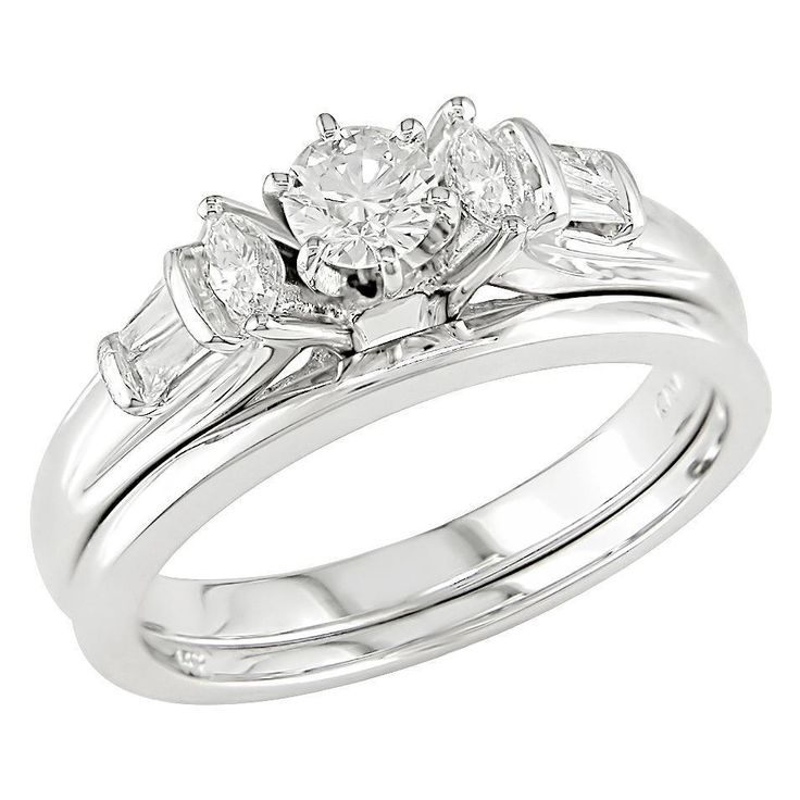 Stunning Single Solitaire Diamond Engagement Ring And Wedding Band Set