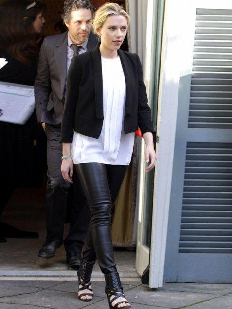 Scarlett Johansson In 2019 Fashion Tight Leather Pants