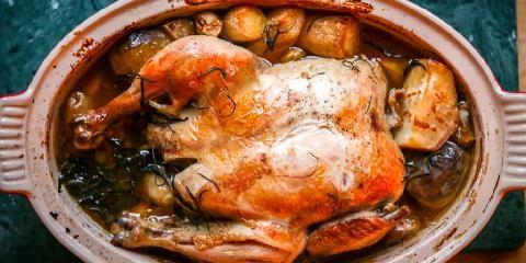 Lettsaltet kylling i leirgryte -