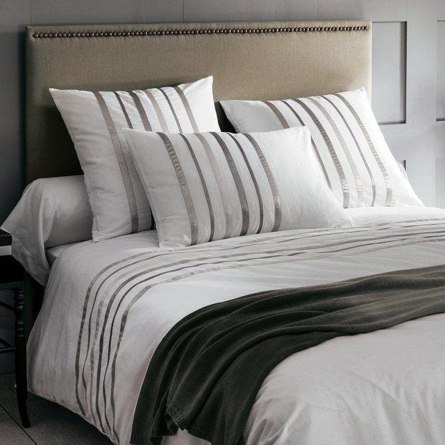 housse de couette grise et blanche parure housse de couette mylo bleu with housse de couette. Black Bedroom Furniture Sets. Home Design Ideas