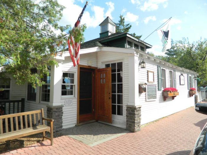 The Cottage Restaurant In New York Is Located In An Unforgettable Setting