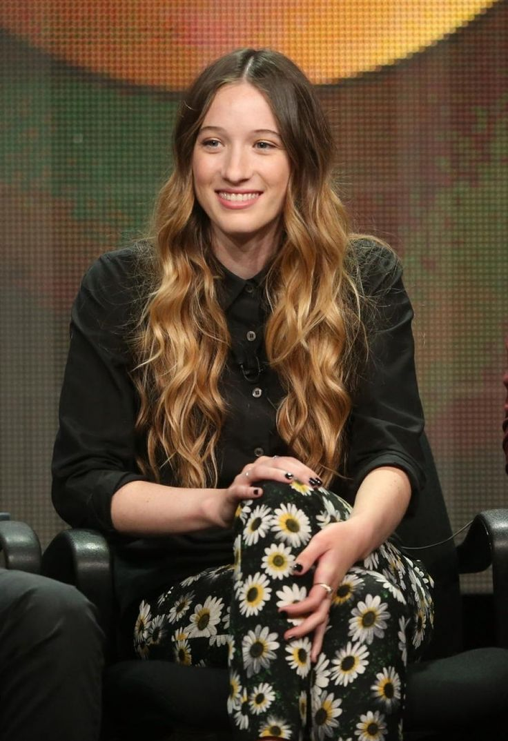 Sophie Lowe. From Once Upon a Time in Wonderland! Her accent is cool!!!