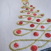Christmas Tree - via @Craftsy This is so pretty, It would be great to do for a Christmas gtift.