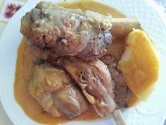 Receta de Codillo en Salsa de Zanahoria.. es nuestra receta del Codillo en Salsa. Y te avisamos: Prepara un buen pan porque lo vas a necesitar. #gastronomia #recetas #cocina #aceitedeoliva
