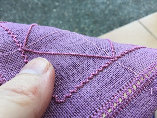 Wendy's quilts and more: Sardinian Knotted Embroidery