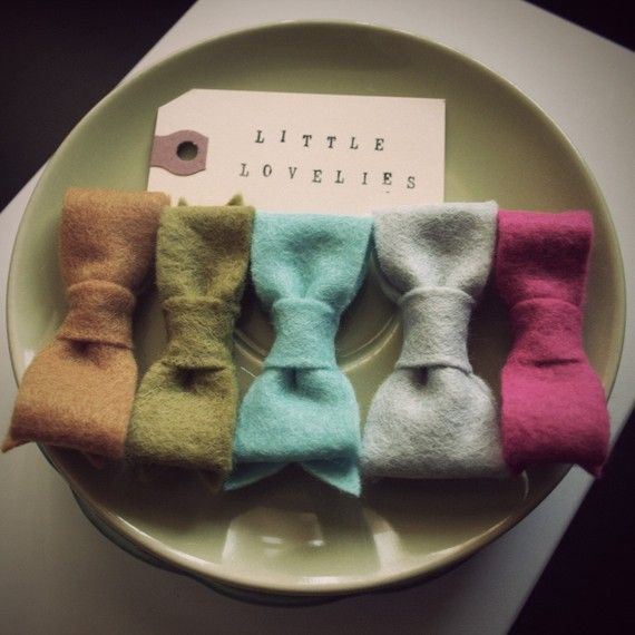 felt bows - kind of preppy and great idea for fall