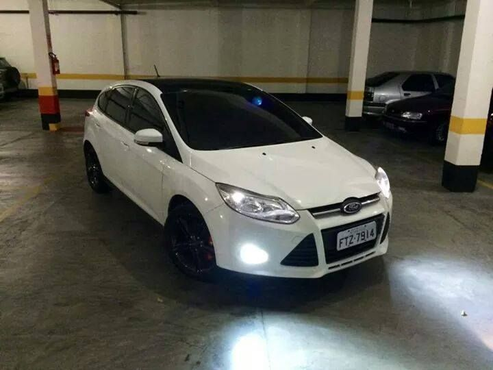 white and black ford focus mk3 ford focus st tuning. Black Bedroom Furniture Sets. Home Design Ideas