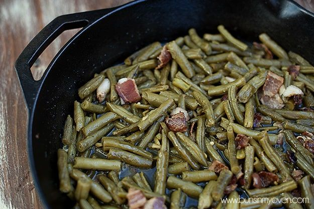 I have this weird love of green beans. I'm not a huge veggie fan (I know! You're shocked!), but green beans? Hand 'em over. I like to cook them until all of the nutritional value has evaporated, of course. It just makes them taste so much yummier. I also like to cook them with bacon. …