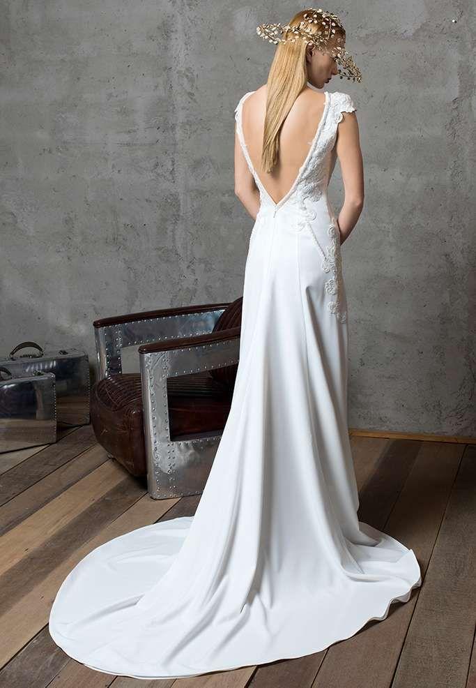 Gritti abiti da sposa 2017 - Vestito semplice con schiena scoperta