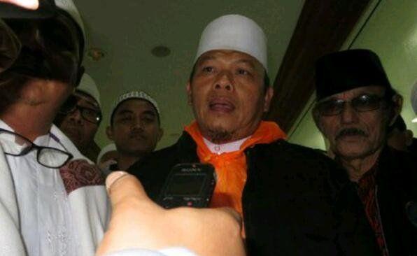 Demo 313: Sekjen FUI Ditangkap, Pedang Samurai Jokowi, Sandiaga Dibidik