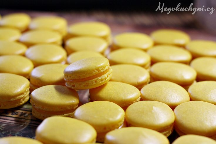 Makronky s citrónovým krémem | Lemon macarons