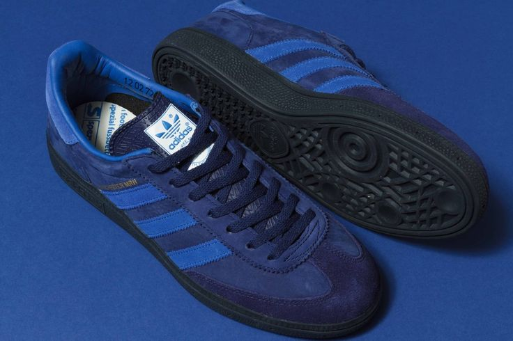 Coming soon, Manchester MNR (MNR stands for Marine - it must have been the floods earlier in the year!!!) The shoe itself is based on a Handball Spezial...