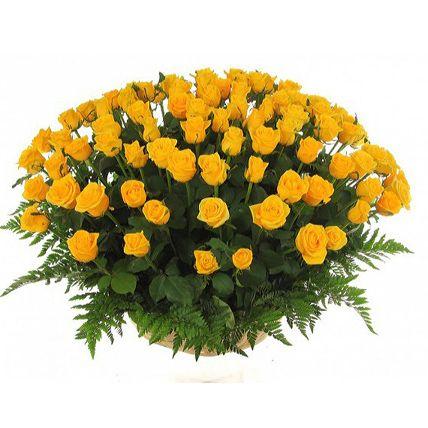 Букет в корзине 51 роза. Композиция Корзина из желтых роз 50 см. (Эквадор)