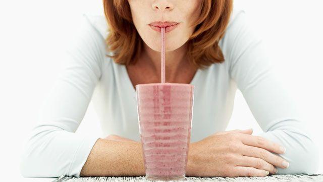 Colazione con il frullato proteico ai supercibi