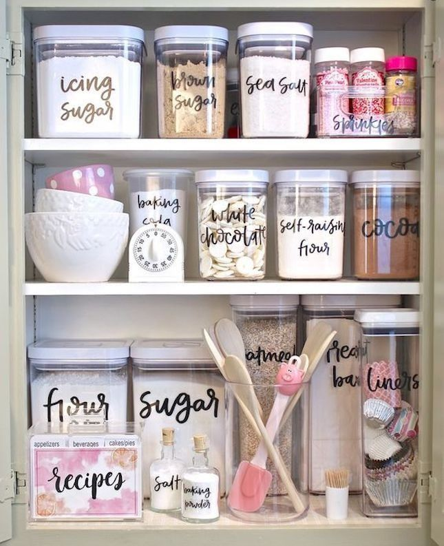 Obsessed with these DIY labels for storage (and this colour scheme!) This is for you bakers out there!