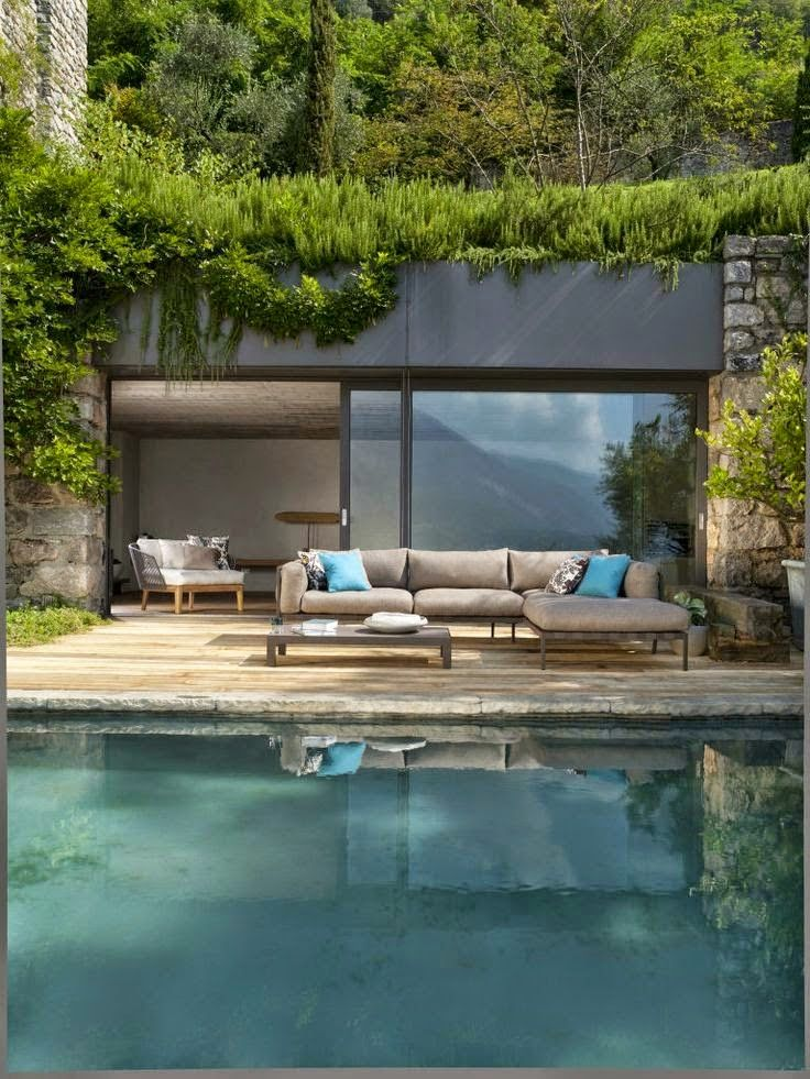 Love the color of this pool and the greenery