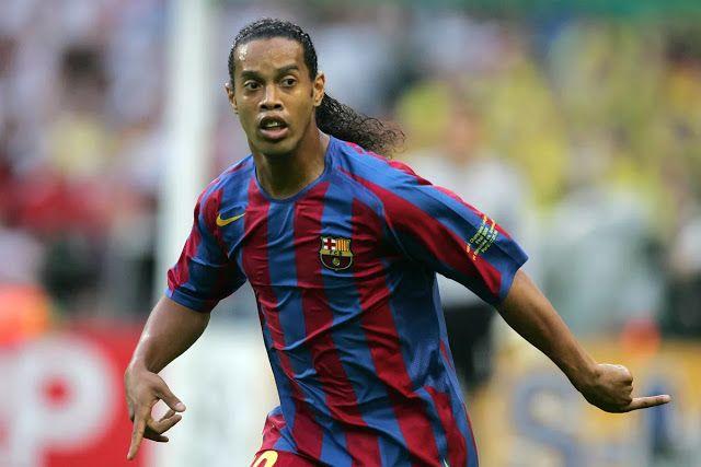 Ronaldinho Aitaka Barcelona Kufanya Maamuzi Magumu Kwa Messi