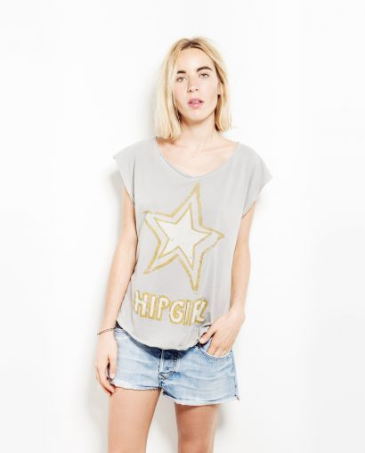 REMOVE YOUR CLOTHES SS15  http://www.thehiptee.com/es/mujer/1028-iridia.html