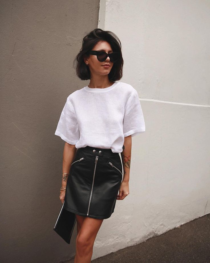 Edgy chic - black leather mini skirt and white linen t shirt - #black #leather #linen #shirt #skirt