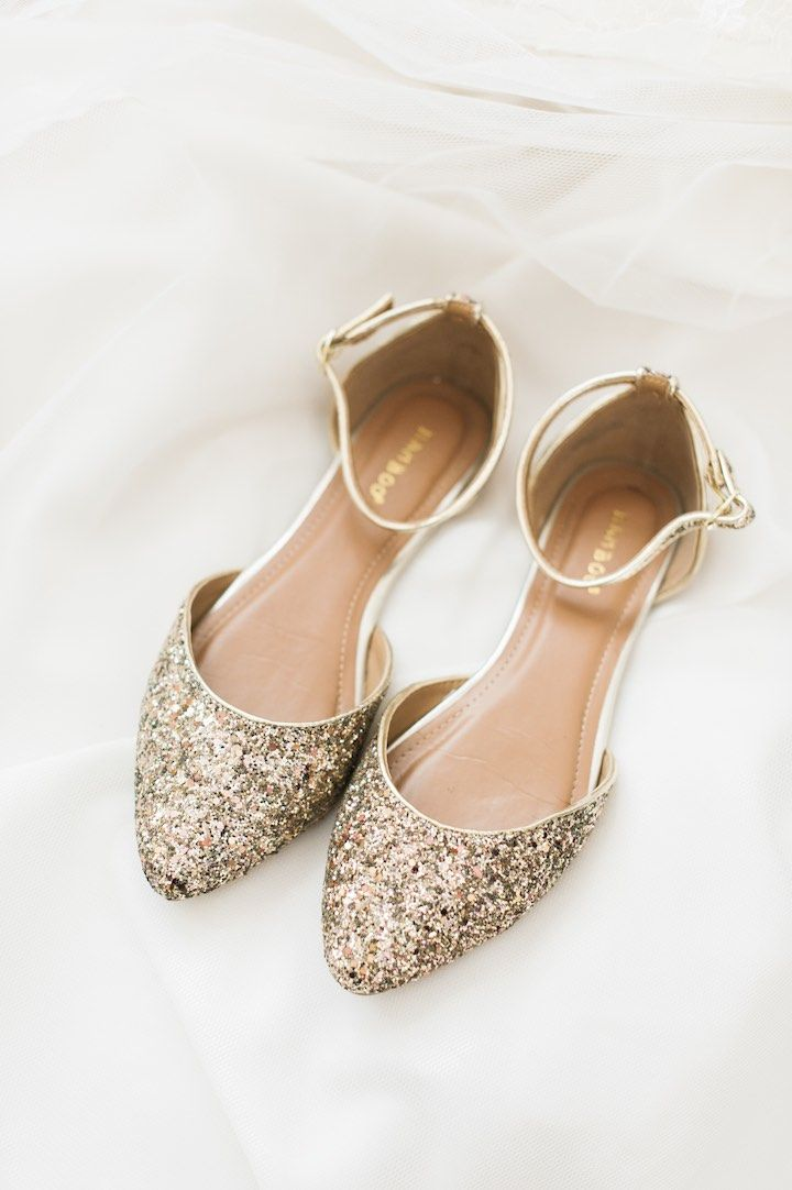 flat wedding shoes for bride chic florida wedding at the bonnet house wedding 4099