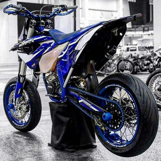 17 best images about dirt bikes and supermoto custom on pinterest honda ktm 300 and racing. Black Bedroom Furniture Sets. Home Design Ideas