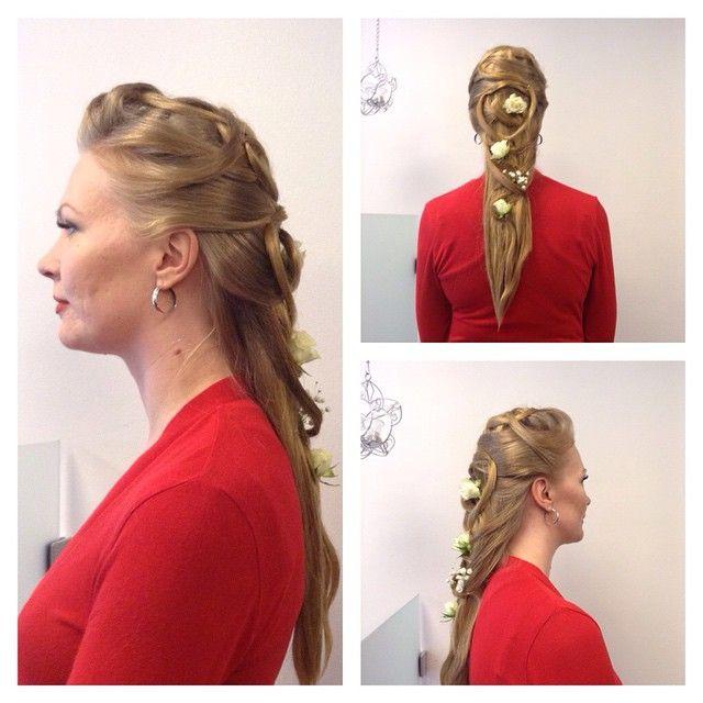 #wedding #weddinghair #hairdo #longhair #rose #blondhair made By Sirpa Polvi