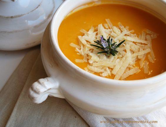 Crema de Calabaza y Zanahorias con Virutas de Parmesano