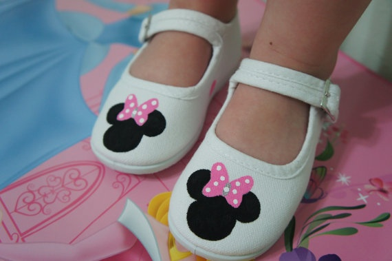 MINNIE MOUSE SHOESWith Bow Girl Children's by MyLittleFootsie, $25.50