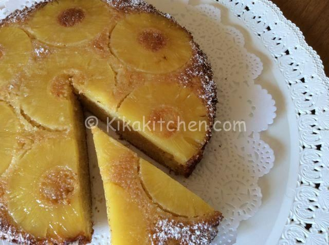 La torta all'ananas è un dolce morbido e soffice, ideale per la colazione o la merenda. Un dolce classico, sano, molto semplice da preparare...