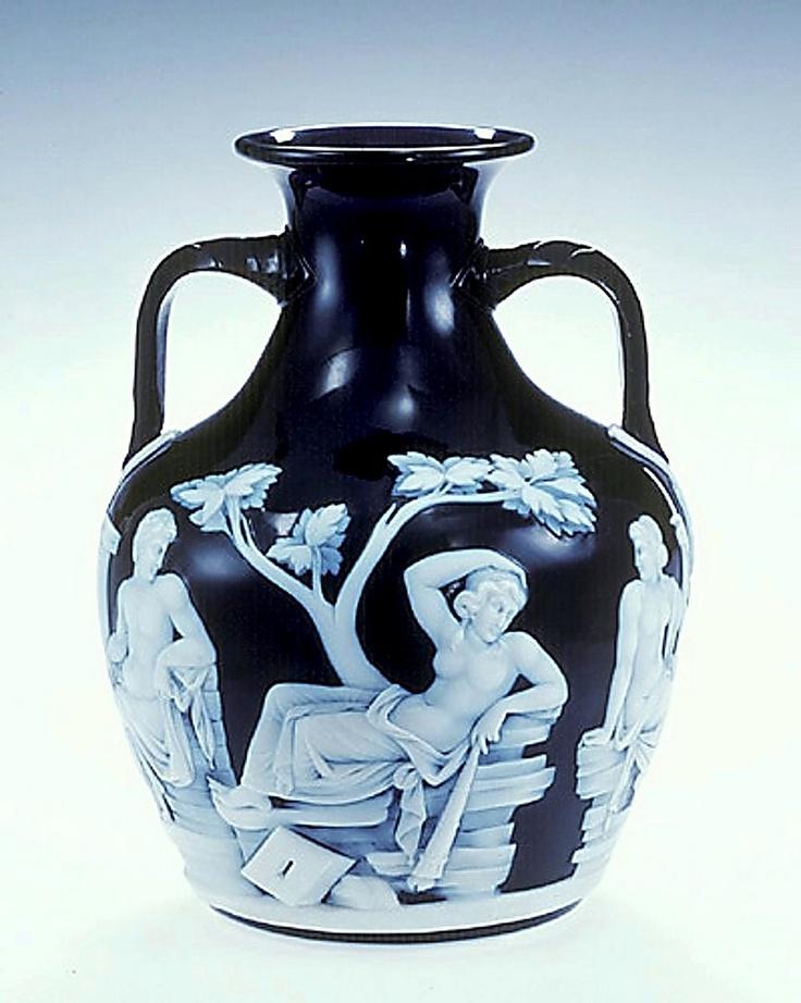Portland Vase Ancient Roman Art Ancient Treasures Pinterest Glass Art Vase And Clay Pots