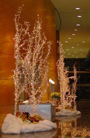 Elegant Christmas Centerpieces | Christmas Decorating Your Home for Christmas - Modern Interior Home ...