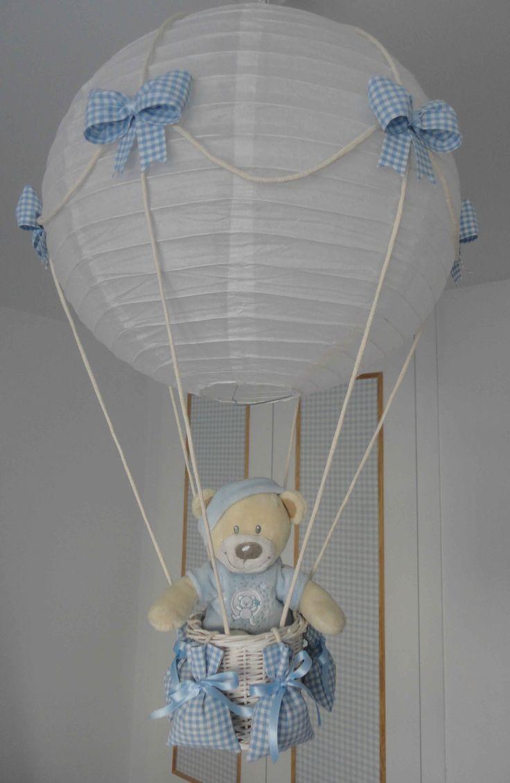 L mpara globo bebe azul cesta de pa ales pinterest - Lamparas de techo bebe ...