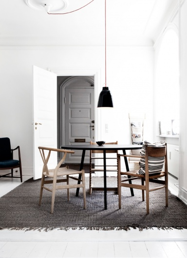 Dining table #mismatch #chairs #roundtable #monochrome #neutral #minimalist #textiles
