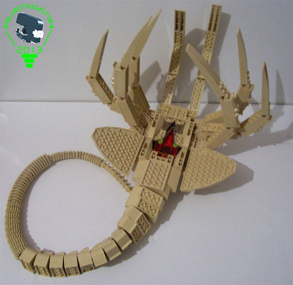 LEGO Aliens Facehugger