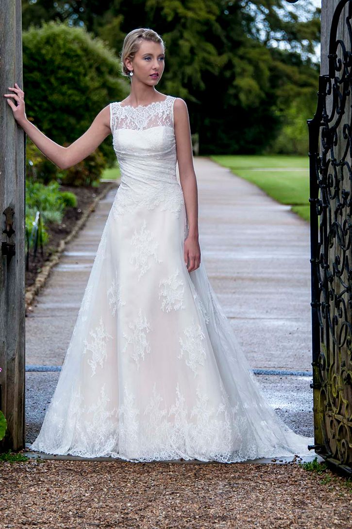 207 best wedding dresses bridal gowns images on pinterest augusta jones carolyn rustic chic bridal gown trends ombrellifo Gallery