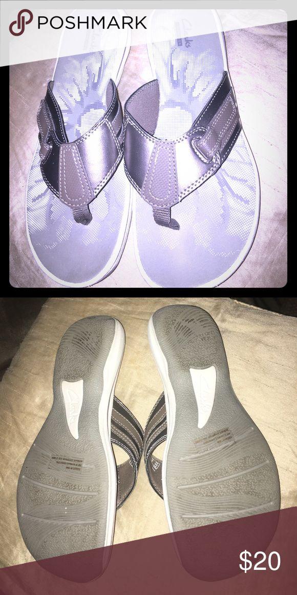 Clarks Pewter Sandals EUC adjustable straps on side Clarks Shoes Sandals