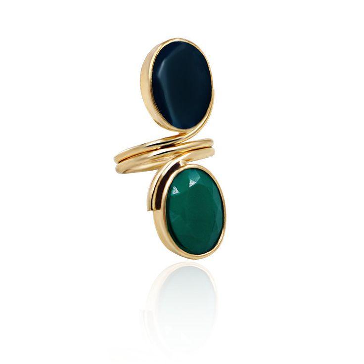 "Laurel. Faux emerald gemstones. Medium weight. Décor: length 4.6cm (1.8"") * width 1.5cm (0.6""). Size: UK-Q / US-8."