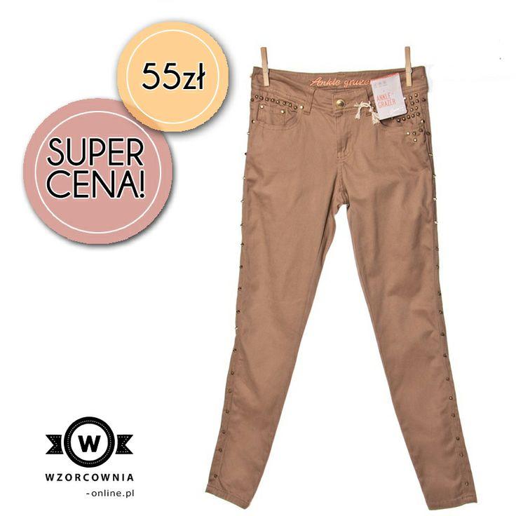 CENA DNIA: Spodnie rurki ze złotymi ćwiekami, Denim Co, 55 PLN  Kto pierwszy ten lepszy --> http://bit.ly/1fjrfOT