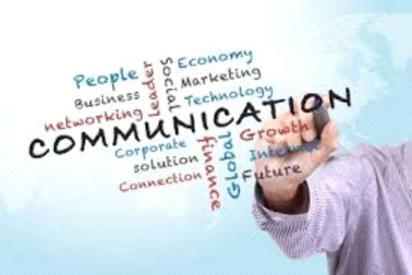 Comunicam online - Ce este socializarea? - Socializam