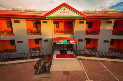 Lapwing Travelodge Port Moresby Lapwing Travelodge offers accommodation in Port Moresby.  The accommodation comes with a satellite flat-screen TV. Every unit features a private bathroom with a bath or shower, bath robes, and free toiletries. Bed linen is offered.