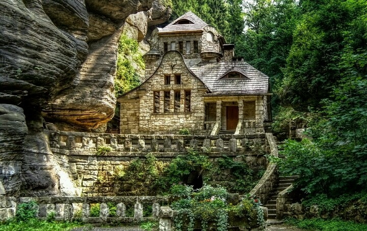 Beautiful home in the woods dream home pinterest for Beautiful dream house pictures
