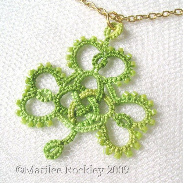 Yarnplayer's Tatting Blog: Celtic knot shamrock