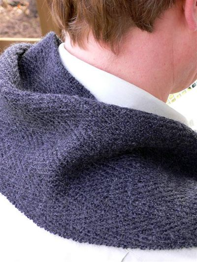 Henry(Mareike Sattler) Fall 07knitty.com Länge: etwa 150 cm Breite: etwa 20 cm Material: 200 g Jaeger Matchmaker Merino 4-ply [100% Merino Wool; 200y/183m pro 50g Knäuel] Farbe: Anthrazit, Nadeln…
