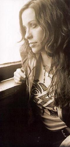Alanis Morissette #AlanisMorissette #Morissette #music #songdiggers
