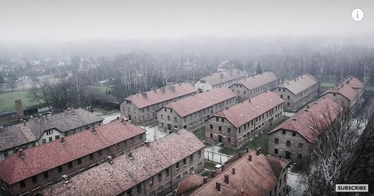 70 år efter Förintelsen flyger en drönare över Auschwitz – fångar det ofattbara på bild