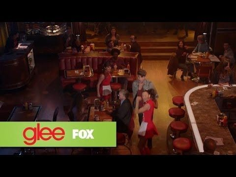 "Full Performance of ""Gloria"" from ""Trio"" 