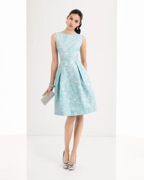 Vestido de brocado disponible en, azul, verde y coral.