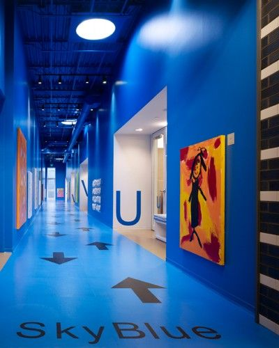 Colored walls, floor graphics, white openings to doors  © Scott McDonald © Hedrich Blessing