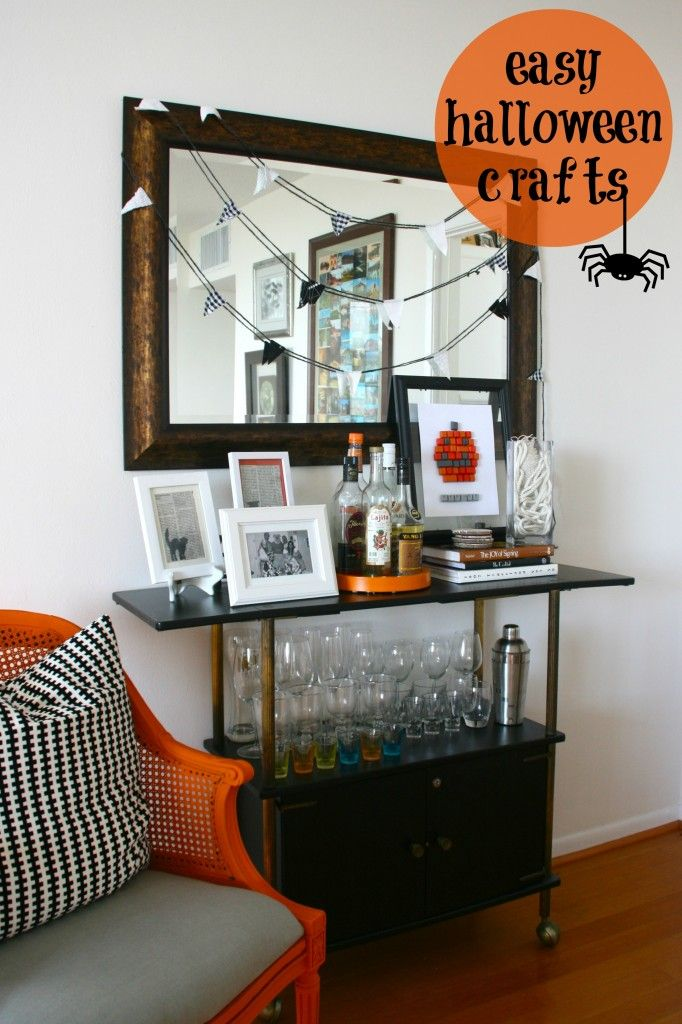 Easy Halloween Crafts  I  via Jamie at C.R.A.F.T.: Easy Halloween Crafts, Crafts Thecraftblog, Halloween Stuff, Halloween Decor, Halloween Nook, Halloween Things, Halloween Crafts Decor, Holiday Crafts, Halloween Party