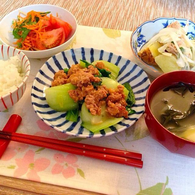 新ジャガと新玉ねぎのサラダ、美味しかった! また作りたいこのレシピ http://www.kyounoryouri.jp/recipe/1433_新じゃがと新たまねぎのサラダ.html - 17件のもぐもぐ - 青梗菜のひき肉あんかけ、新ジャガと新玉ねぎのサラダ、人参と水菜の梅和え、ワカメと豆腐の中華スープ by pumpukupun